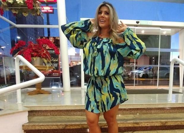 Fabiana Teixeira tem optado por looks mais soltinhos  (Foto: Reprodução/Instagram)