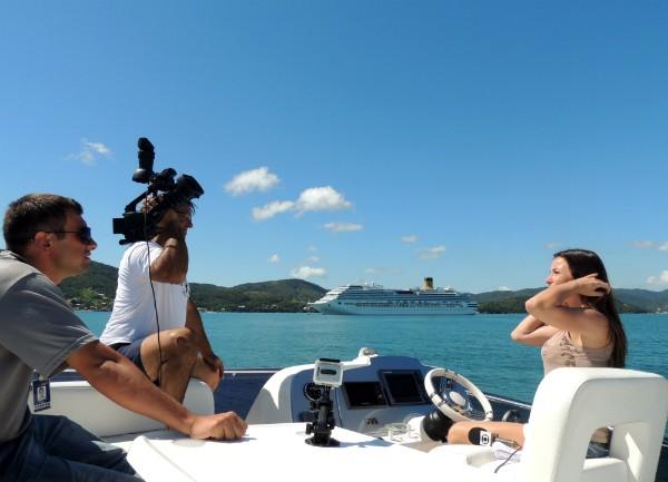Equipe da Unidade Móvel de Verão grava em alto mar (Foto: Gessica Valentini/RBS TV)