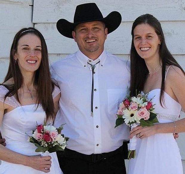 Nathan Collier fez um pedido para poder se casar legalmente com sua segunda esposa (Foto: Reprodução/Twitter/Nathan W. Collier)