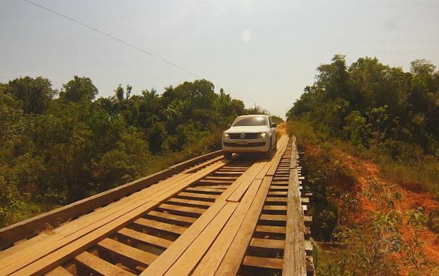 Há pontes em alguns trechos da estrada  (Foto: Bom Dia Amazônia)