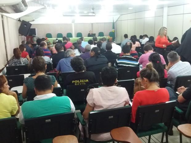 categorias reunião amapá parcelamento salários eap sala com pessoas (Foto: John Pacheco/G1)
