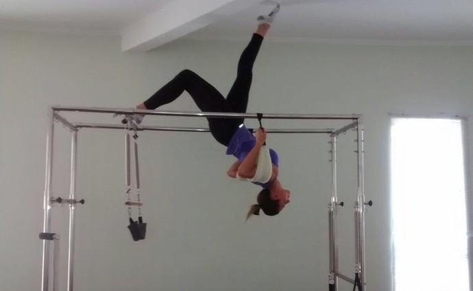 Dani Lins aposta no pilates para tratar dor nas costas (Foto: Arquivo Pessoal)