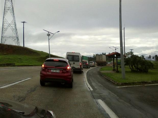 Incidente carreta Serra de Petrópolis 2 (Foto: Maria Almeida Gomes)