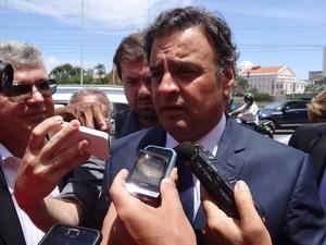 Aécio Neves também compareceu ao velório de Sérgio Guerra (Foto: Katherine Coutinho / G1)
