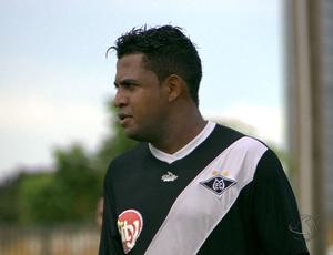 Zagueiro Kal do Mixto Esporte Clube (Foto: Reprodução/TVCA)