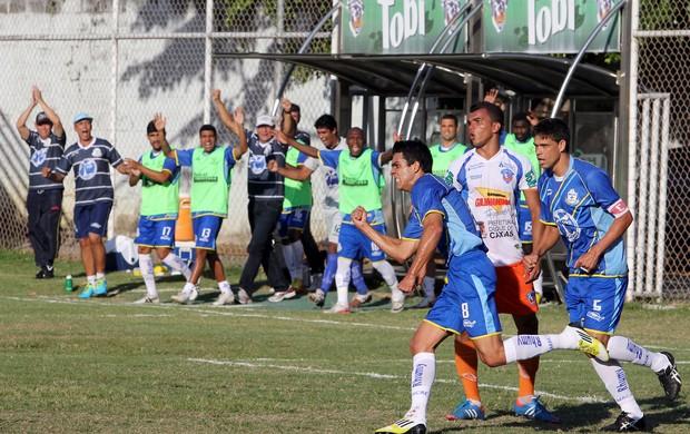 Lucas comemora gol do Macaé sobre o Duque de Caxias - série c do brasileiro (Foto: Tiago Ferreira / Divulgação)