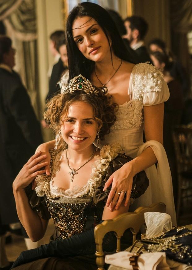 Isabelle Drummond e Leticia Colin como Ana e Leopoldina em Novo Mundo (Foto: Globo/Raquel Cunha)