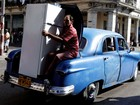 Lista reúne geladeira em porta-malas e outras cenas surreais no trânsito