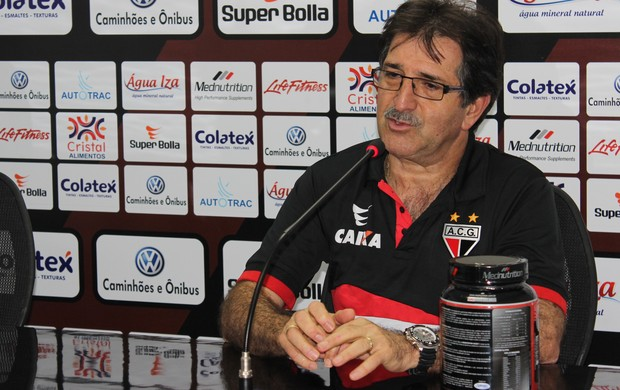 René Simões - Atlético-GO (Foto: Fernando Vasconcelos / Globoesporte.com)