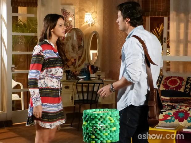 Luiza e Laerte brigam feio (Foto: Em Família / TV Globo)