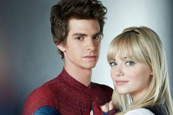 Andrew Garfield e Emma Stone namoram desde que a química das gravações de 'O Espetacular Homem-Aranha', em 2011, levou o par da ficção para a vida real. O filme estreou no ano seguinte. (Foto: Reprodução)