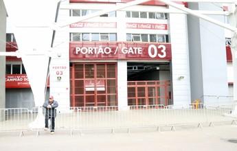 Falcão repete estratégia e volta a fechar treino do Inter antes de viagem