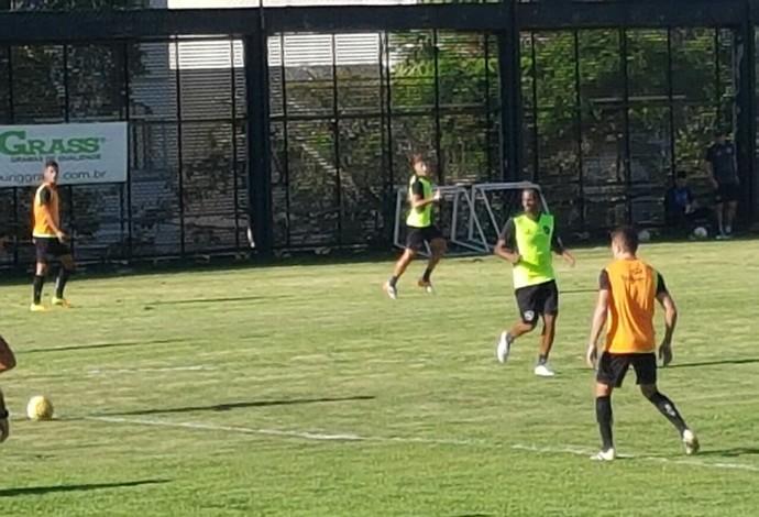Airton Botafogo (Foto: Marcelo Baltar)