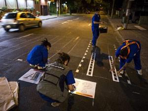Ativistas escolheram pontos de grande circulação (Foto: Otavio Almeida/ Greenpeace/ Divulgação)