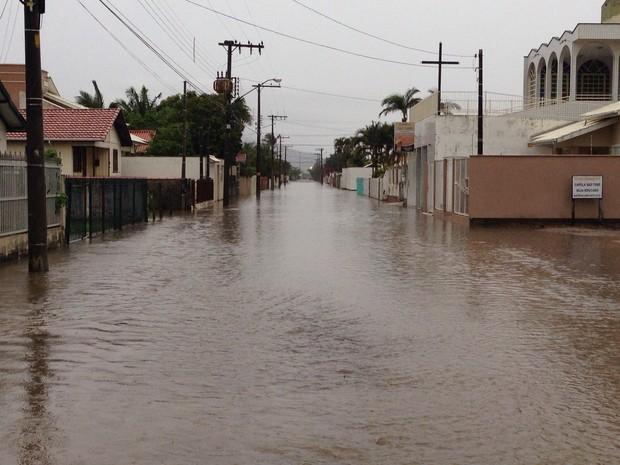 Ruas ficaram alagadas em Tubarão (Foto: Gabriel Felipe/RBS TV)
