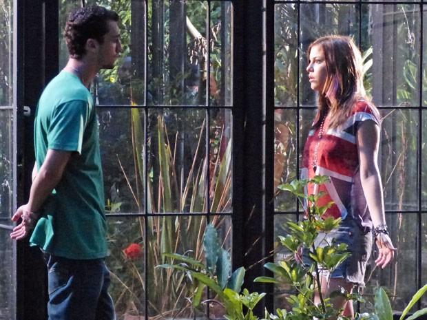 TRETA! O Sal se passou pelo Vitinho e marcou um encontro com a Lia :O (Foto: Malhação / Tv Globo)