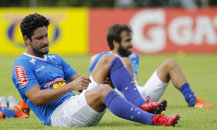 Léo e Gabriel Xavier, do Cruzeiro (Foto: Washington Alves/Light Press)