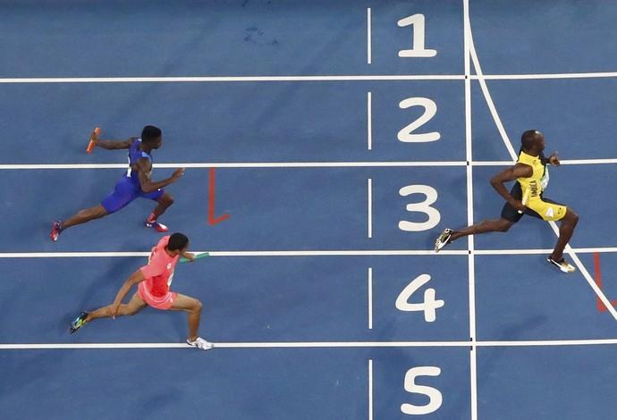 Bolt revezamento Rio 2016 (Foto: Fabrizio Bensch/Reuters)