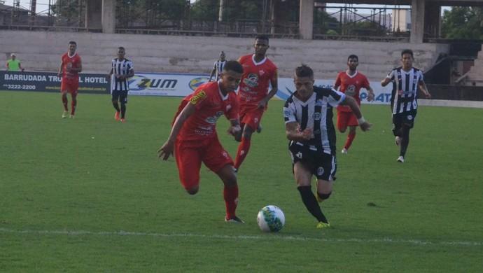 Bilau marcou dois gols da vitória do São Raimundo contra o Rio Branco, em Santarém (Foto: Dominique Cavaleiro/GloboEsporte.com)