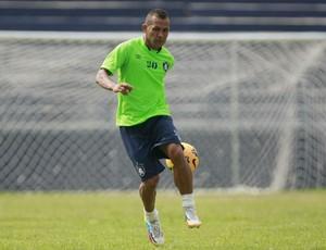 Jogadores como o lateral Jadilson têm contrato com o Remo para 2015 (Foto: Tarso Sarraf/O Liberal)