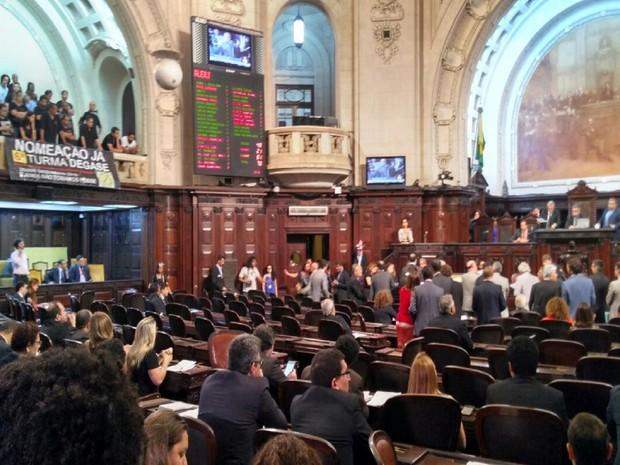 Deputados aprovam projeto de calamidade pública no RJ (Foto: Alessandro Ferreira/G1)