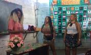 Tranças melhoram a autoestima e ajudam a 'desenrolar' a vida de mulheres sem renda no Rio