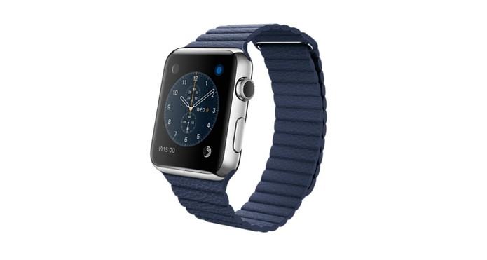 2f558188c8f Versão com pulseira pregueada em couro na cor azul escuro (Foto  Divulgação  Apple