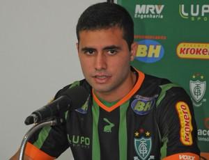 Meia Eduardo foi relacionado para enfrentar o Vitória, nesta quarta (Foto: Divulgação/AFC)