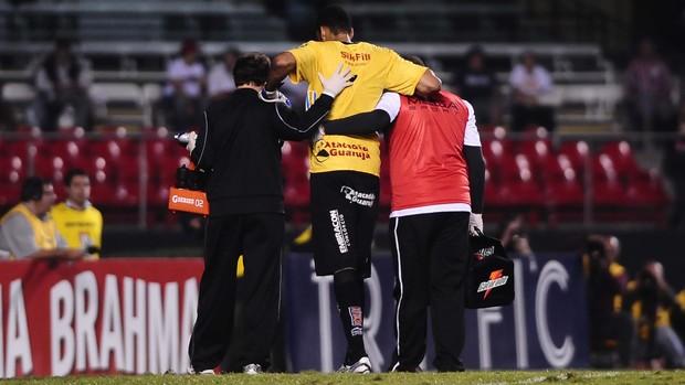 Bruno Fuso goleiro Ponte Preta (Foto: Marcos Ribolli / Globoesporte.com)
