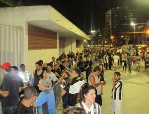 fila botafogo ingresso Maracanã (Foto: André Casado)