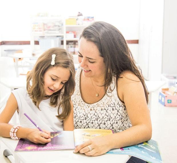 Isadora, filha de Tatiana, teve dores de barriga no 1º ano. (Foto: Guilherme Zauith / Editora Globo)