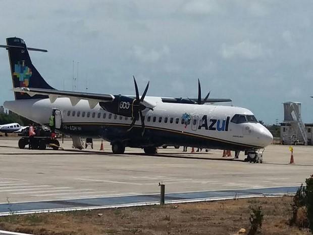 Avião da Azul no Aeroporto Santa Maria  (Foto: Osmar Rios)