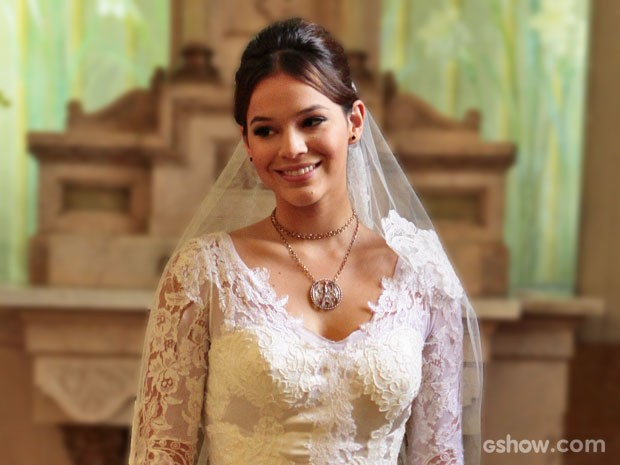 Vestido de noiva usado por Helena é um clássico (Foto: Pedro Curi / TV Globo)