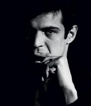 PERVERSO Mateus Solano como o vilão Félix da novela Amor à vida.  Seu personagem  não tem escrúpulos (Foto: Raphael Dias/TV Globo com montagem de Alexandre Lucas)