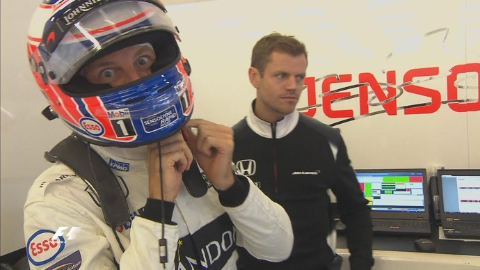 Jenson Button correu para colocar capacete e macacão novamente, mas foi eliminado no Q1 (Foto: Divulgação)