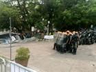 Servidores e policiais entram em confronto antes de votação de pacote