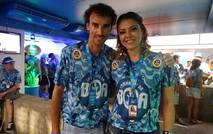 Emanuel e Leila na Sapucaí, carnaval (Foto: Jessica Mello/GloboEsporte.com)