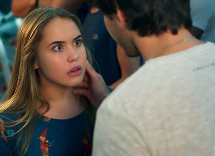 Lucas conta a Martinha que terminou com Luíza