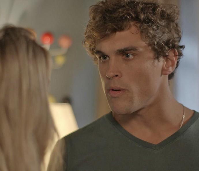 Gabriel explode com Bárbara (Foto: TV Globo)