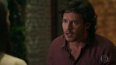 Henrique diz a Beto que Leonora é sua namorada