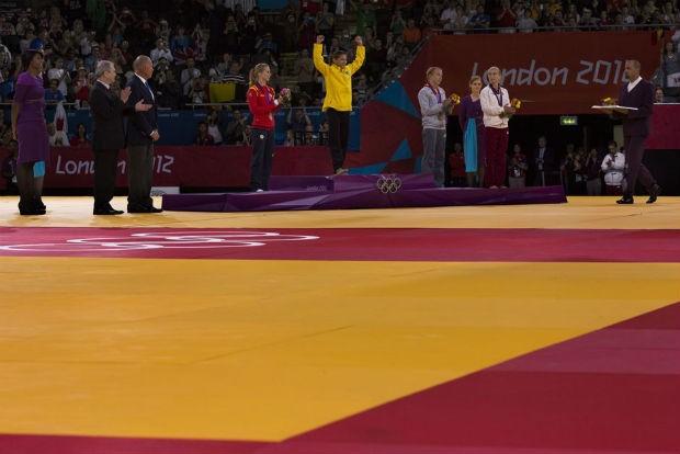 Com Sarah Menezes, o judô brasileiro tem, pela primeira vez em uma Olimpíada, uma mulher no lugar mais alto do pódio (Foto: Mauricio Lima/ÉPOCA)