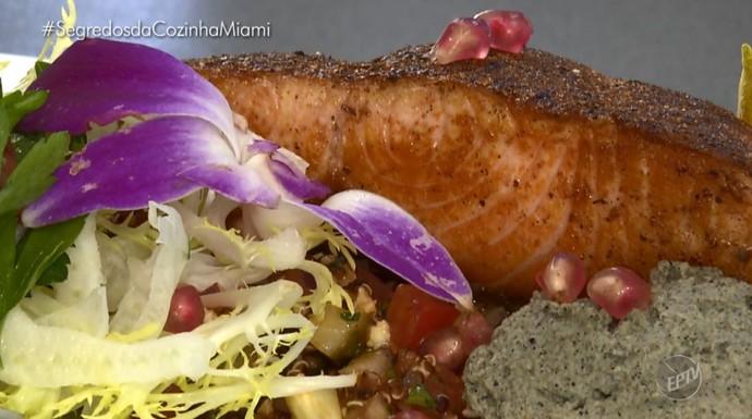 Fernando Kassab traz a receita de um salmão grelhado (Foto: reprodução EPTV)