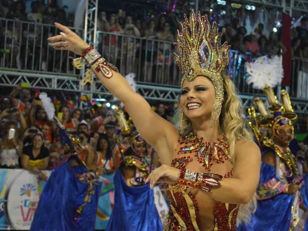 Viviane Araújo arranca aplausos no Sambão do Povo (Foto: Mariana Carvalho/G1)