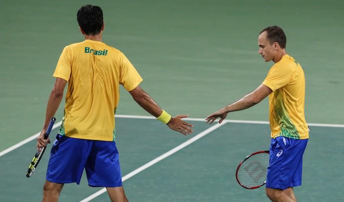 Bruno Soares e Marcelo Melo vencem na estreia (Foto: Estadão Conteúdo)