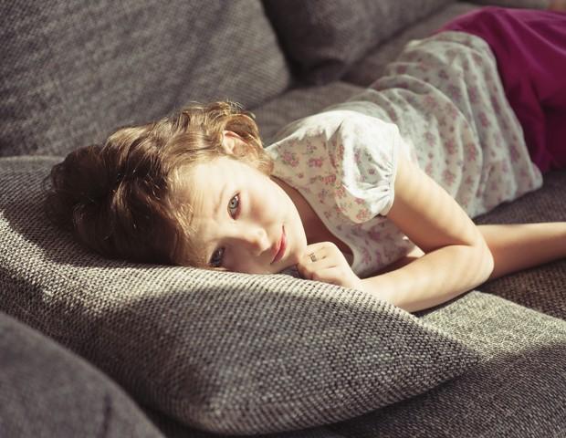 criança; descanso; tristeza (Foto: Thinkstock)