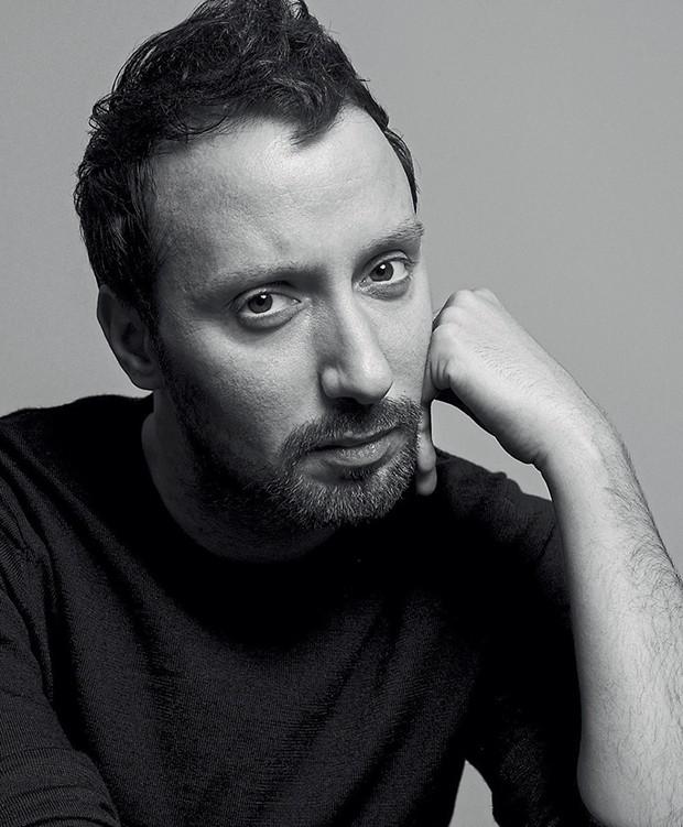Retrato de Anthony Vaccarello (Foto: Cameron Mccool)