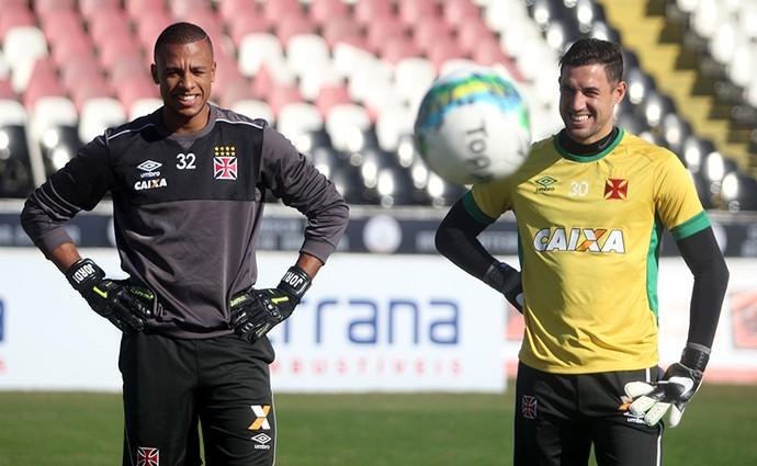 Jordi e Martin Silva treino Vasco (Foto: Paulo Fernandes/Vasco.com.br)