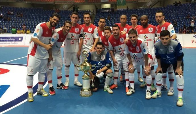 Sorocaba vence amistoso contra o Peñarol e leva troféu (Foto: Reprodução/Facebook)