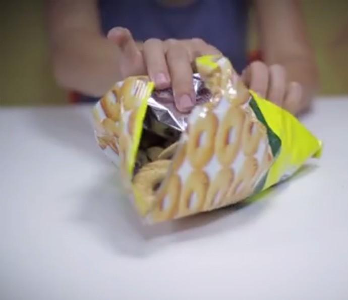 Mantenha o biscoito fresquinho fechando o pacote com canudos! Veja teste! (Foto: Divulgação)