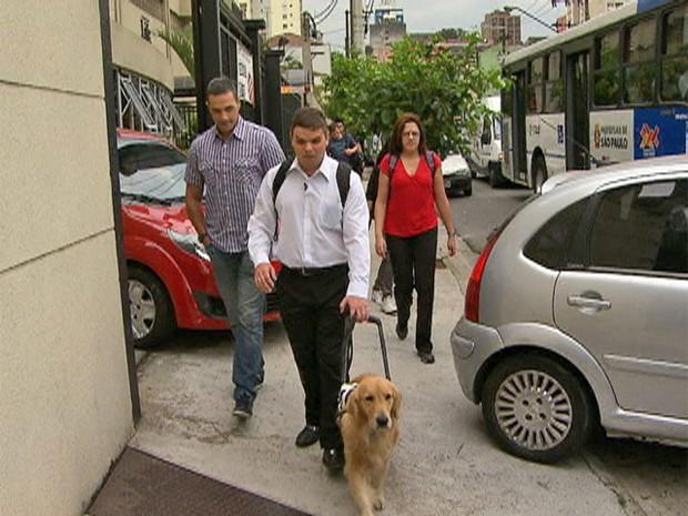 Deficiência visual: conte com a ajuda do cão-guia (Foto: Mais Você / TV Globo)